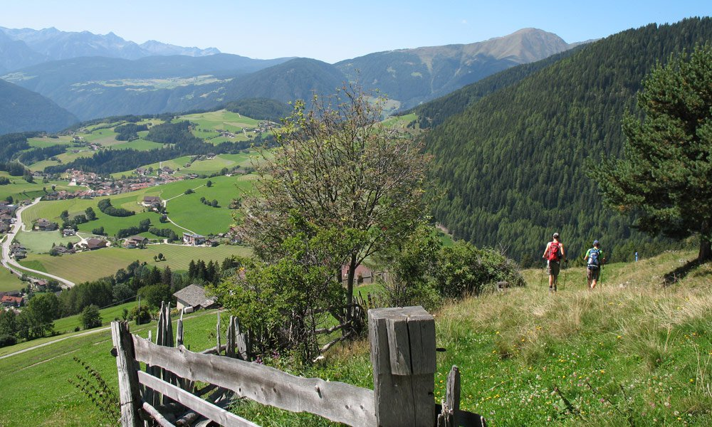 Panoramic circular walk around Terenten