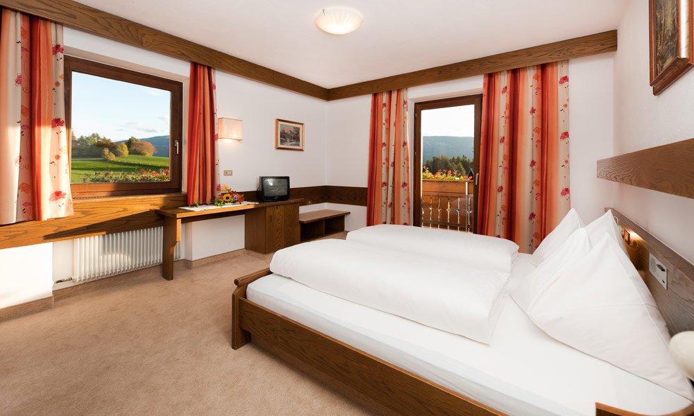 Buchen Sie Ihr Zimmer bei uns im Pustertal! Ihre Unterkünfte in Terenten stehen bereit.