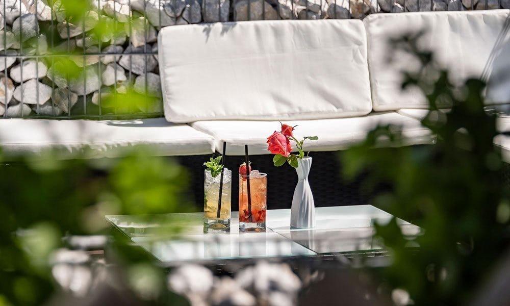 terrasse-lounge-03Erholung total: Ihr Wellnesshotel in Terenten/ Pustertal
